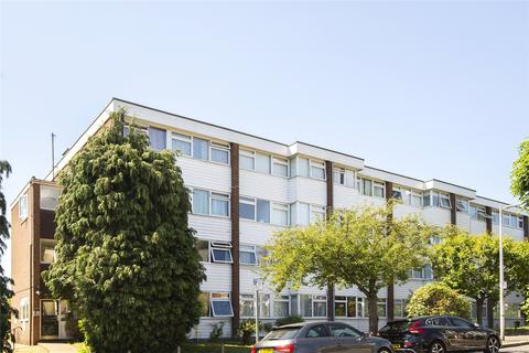 2 bedroom flat to rent - The Chiltons, Grove Hill, London, E18