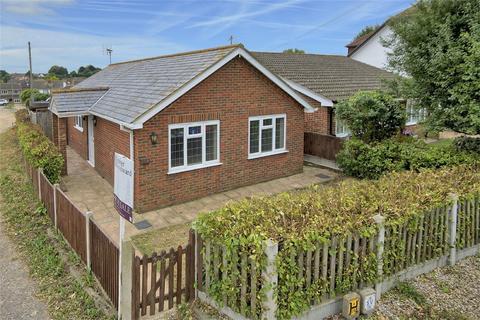 2 bedroom detached bungalow for sale - Reculver Drive, Herne Bay, Kent