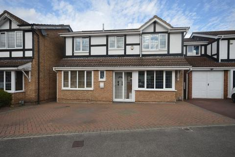 5 bedroom detached house for sale - Milton Way, Houghton Regis