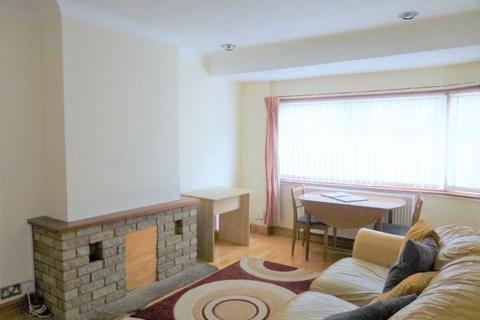 2 bedroom maisonette to rent - Nestles Avenue, Hayes Town