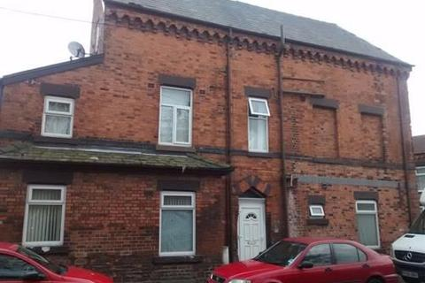 2 bedroom flat to rent - Holmfirth Street, Longsight, M13