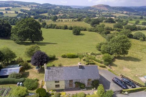 3 bedroom detached house for sale - Llanfair Caerenion