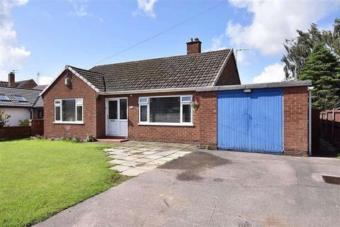 2 bedroom detached bungalow for sale - South West Avenue, Bollington, Macclesfield