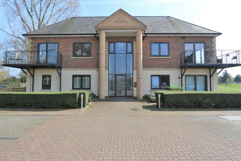 2 bedroom apartment for sale - Wooldston Manor, Abridge Road, Chigwell IG7