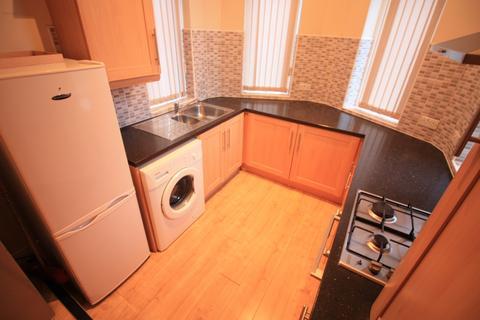 3 bedroom apartment to rent -  Elford Grove,  Leeds, LS8