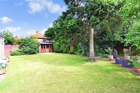5 bedroom detached house for sale - Manse Way, Swanley, Kent