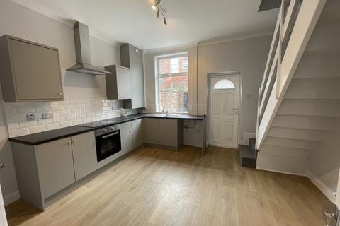 3 bedroom terraced house to rent - Marlborough Street, Ashton Under Lyne, Oldham