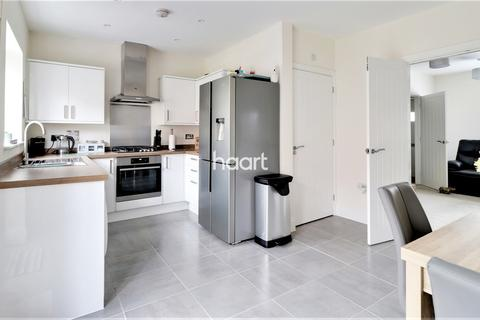 3 bedroom semi-detached house for sale - Barn Owl Way, Dover