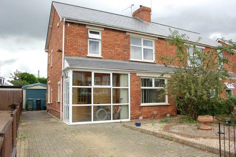 3 bedroom semi-detached house for sale - Malvern Terrace, Taunton