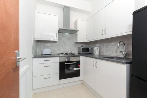1 bedroom flat to rent - Blackstock Road, Highbury, N4