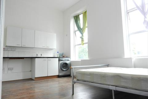 Studio to rent - Stoke Newington, N16