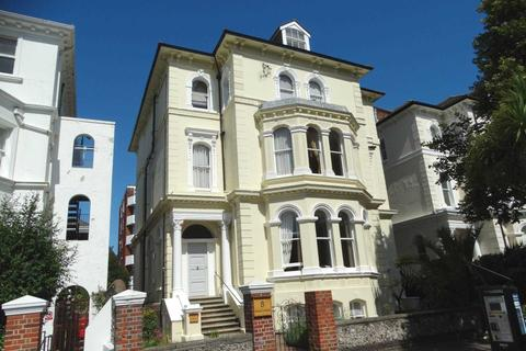 3 bedroom apartment for sale - Devonshire Place, Eastbourne