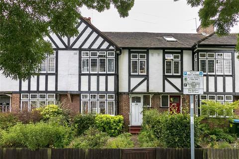 3 bedroom terraced house for sale - Ravensbourne Road, Twickenham, TW1