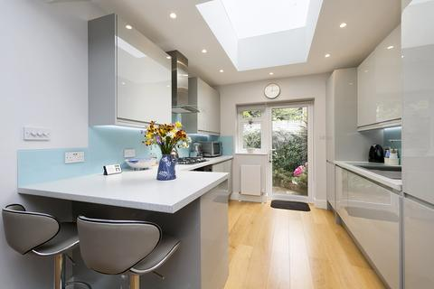 2 bedroom property to rent - Upham Park Road, London, W4
