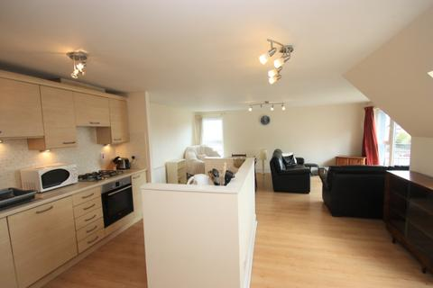 3 bedroom flat to rent - Appin Place, Chesser, Edinburgh, EH14 1PW