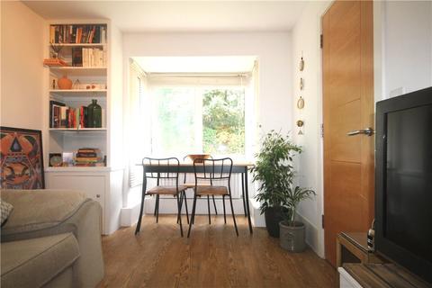 1 bedroom apartment to rent - Mathon Court, Cross Lanes, Guildford, Surrey, GU1