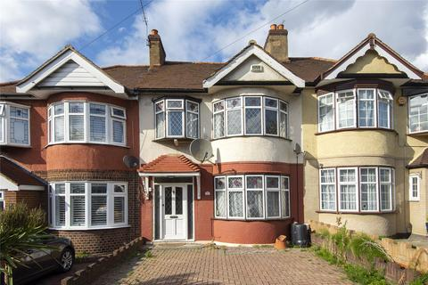 3 bedroom terraced house to rent - Kensington Drive, Woodford Green, Essex, IG8