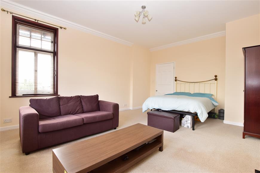 Bedroom/ Living Area