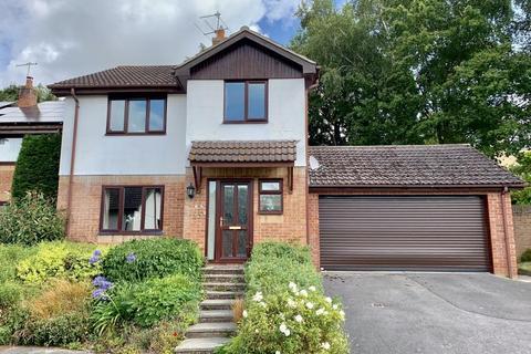 4 bedroom detached house for sale - Henbury View Road, Corfe Mullen, BH2 13TT