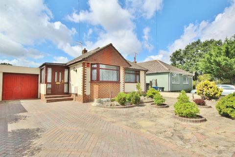 2 bedroom detached bungalow for sale - Hazlebury Road, Creekmoor, Poole, Dorset