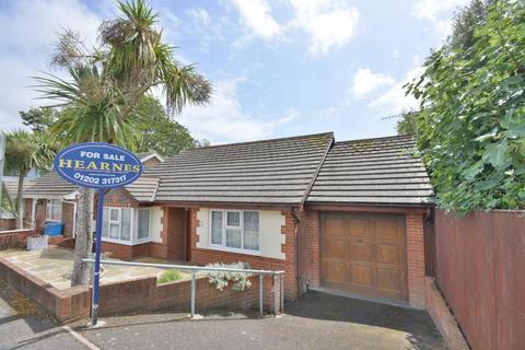 2 bedroom detached bungalow for sale - Churchfield Crescent, Poole, BH15 2QS