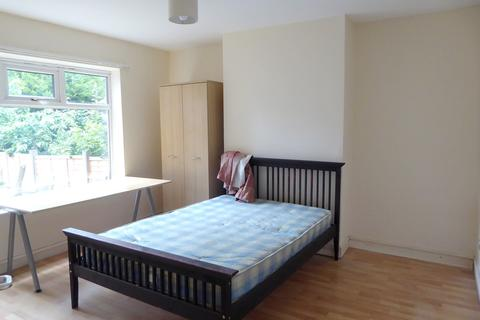 3 bedroom semi-detached house to rent - Austin Drive, Didsbury, Manchester