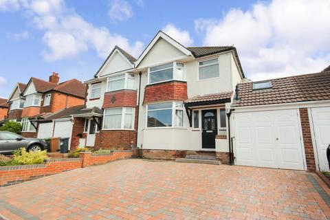 3 bedroom semi-detached house for sale - Greyfort Crescent, Solihull