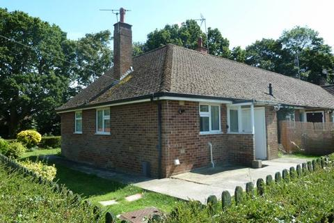 2 bedroom bungalow for sale - Oaklands, Cranbrook, Kent, TN17 3BE