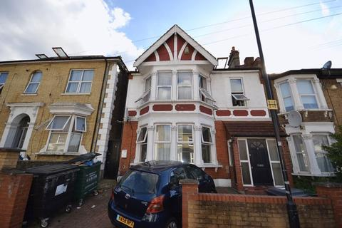 1 bedroom apartment - One Bedroom, Ground Floor Flat to Let - Goldsmith Road, E10 (£1,100pcm)