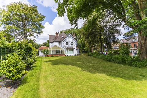 3 bedroom apartment for sale - Haydon Road, Branksome Park, Poole