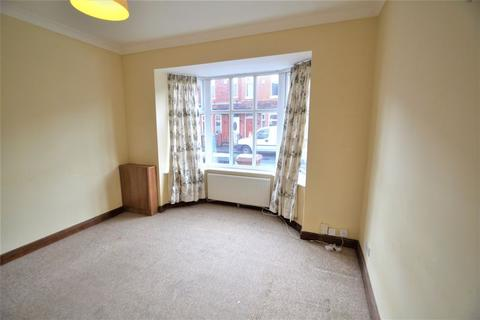 3 bedroom terraced house to rent - Darwell Avenue, Manchester