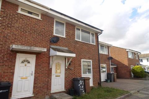 3 bedroom terraced house to rent - Begonia Close, Chelmsford