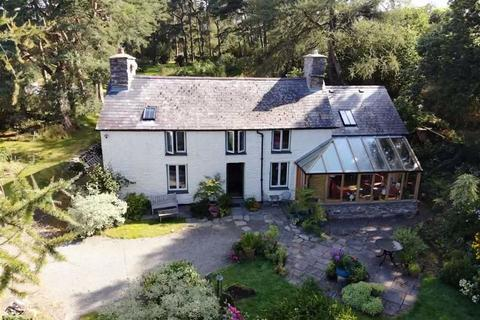 3 bedroom property with land for sale - Tregaron, Ceredigion, SY25