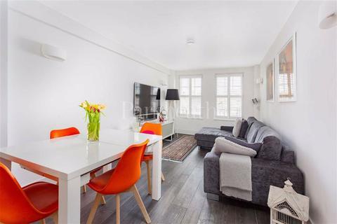 2 bedroom flat for sale - Eton College Road, Belsize Park, London