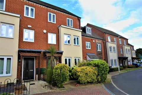 3 bedroom townhouse for sale - Melrose Close, Maidstone