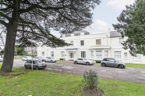 2 bedroom flat to rent - Chigwell Road, Woodford Green, Essex