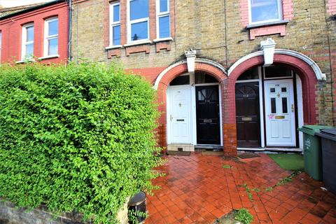 2 bedroom flat for sale - Clementina Road, Leyton