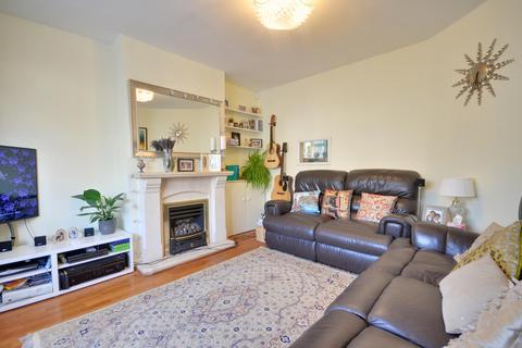 3 bedroom terraced house to rent - Clyfford Road, Ruislip, Middlesex, HA4 6PS