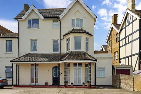 1 bedroom ground floor flat for sale - Sea Road, Westgate-On-Sea, Kent