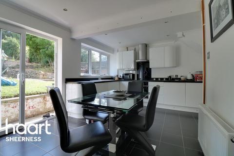 3 bedroom semi-detached house for sale - Furze Hill Crescent, Halfway