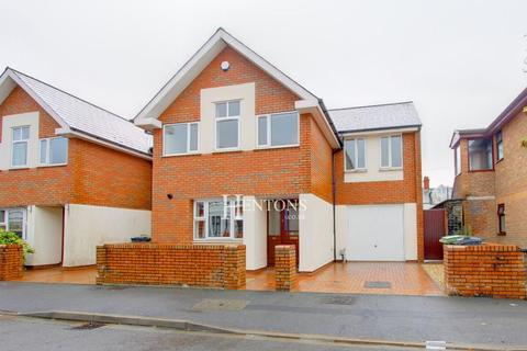 3 bedroom end of terrace house for sale - Victoria Mews, Australia Road, Cardiff