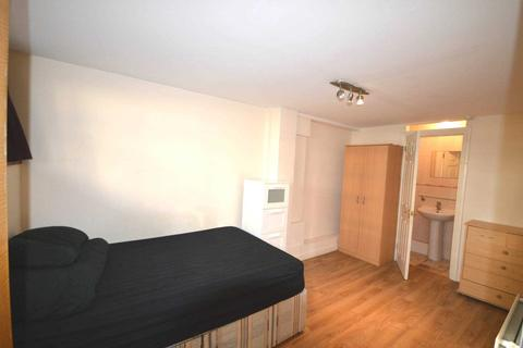 House share - Gaselee Street, Blackwall