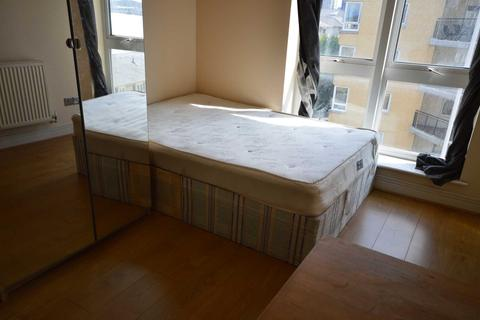 House share to rent - Studley Court, Canary Wharf