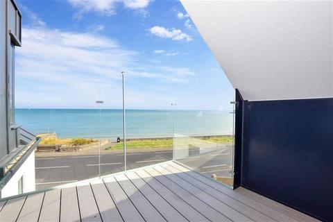 3 bedroom apartment for sale - Westleigh Road, Sea Sky House, Westgate-On-Sea, Kent