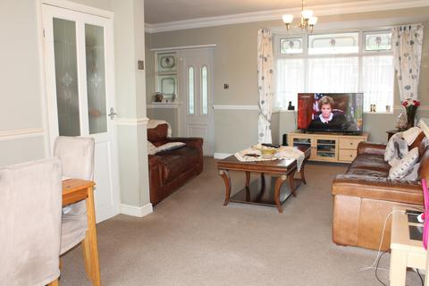3 bedroom terraced house for sale - rainham, rm13