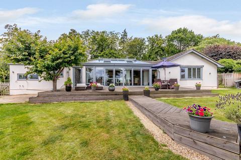 4 bedroom detached bungalow for sale - Three Stiles Road, Farnham, GU9