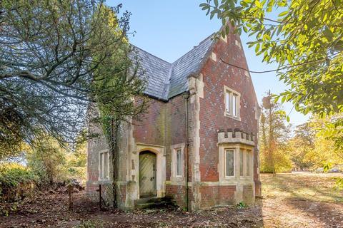 3 bedroom detached house for sale - Church Road, Aldermaston, Reading, RG7