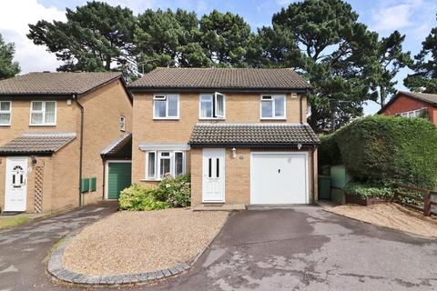 3 bedroom detached house for sale - Harbourne Gardens, West End