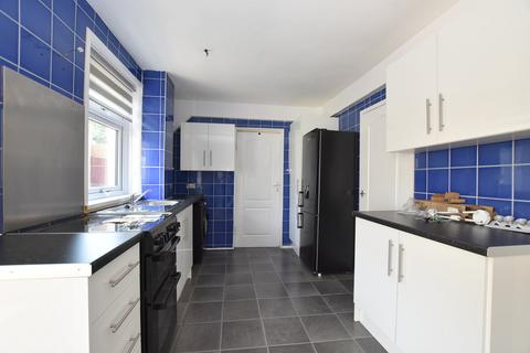 3 bedroom semi-detached house to rent - Springfields Road, Springfields, Stoke-on-Trent, ST4 6RU