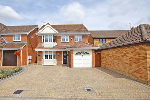 4 bedroom detached house for sale - Shelduck Crescent, Great Notley, Braintree, CM77